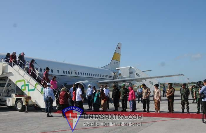 Komandan Lanal Denpasar Wakili Gubernur Bali Menjemput Ibu Presiden RI