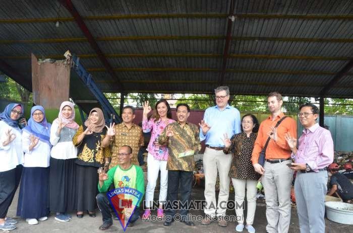 Dubes Jerman Kunjungi TPST 3R di Desa Keboan Sikep Sidoarjo