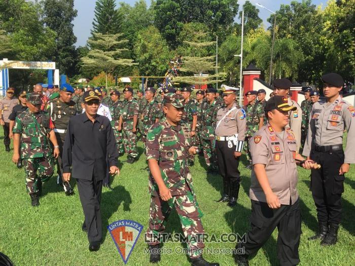 Komandan Lanal Batuporon Hadiri Apel Gelar Pasukan Ops Ketupat Semeru 2019