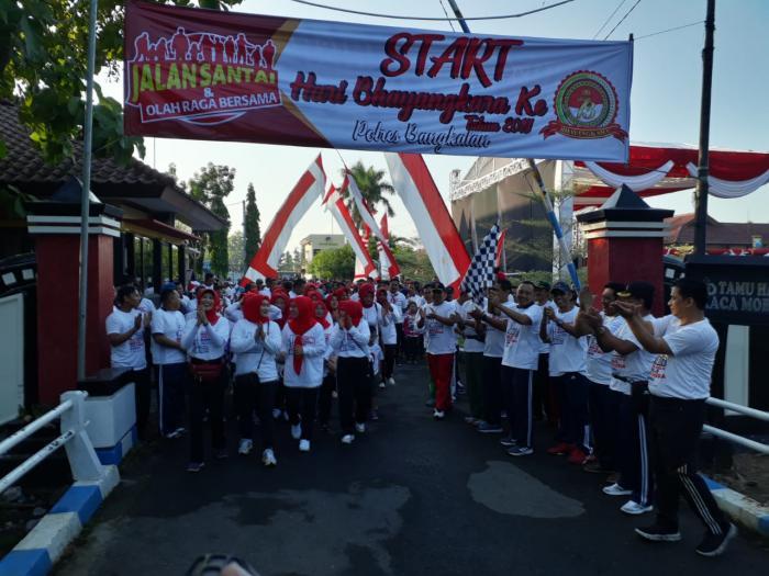 Jatim Menuju Indonesia Damai dan HUT Bhayangkara ke 73 Forkopimda Bangkalan Olahraga Bareng