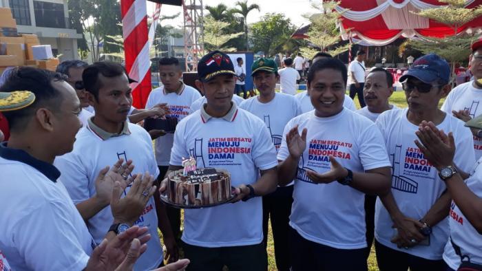 Danlanal Batuporon Bersama Forkopimda Bangkalan Meriahkan Olah Rabga Bersama Dalam Rangka Hut Bhayangkara Ke -73