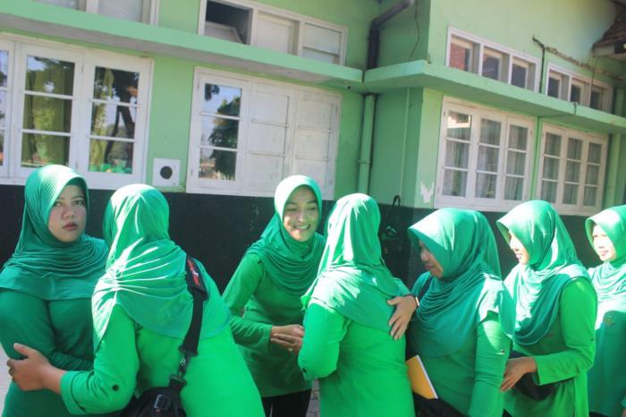 Persit KCK Ranting 4 Yonif Raider 515/Divif 2 Kostrad Laksanakan Senam Bersama Dan Halal Bihalal