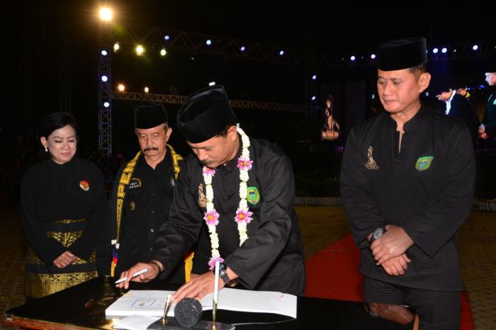 Pangdivif 2 Kostrad Hadiri Pembukaan Festival Seni Pencak Silat Nusantara (SPSN) ke-II di Madiun