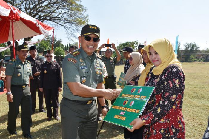 Danrem 082/CPYJ Tinjau Lokasi sasaran TMMD di Bojonegoro