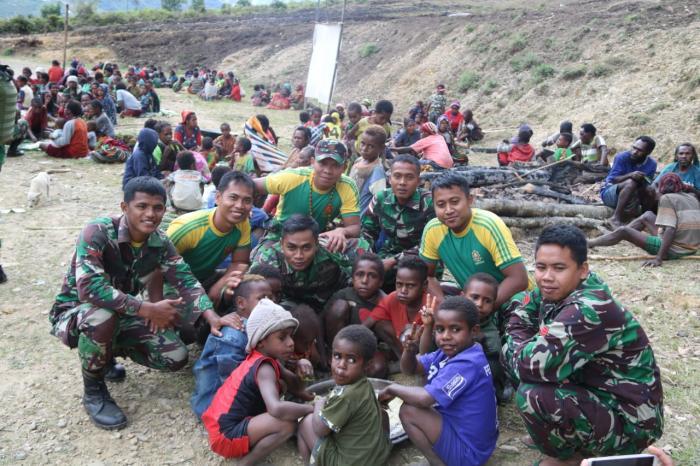 Air Mata Pegunungan Tengah Papua Iringi Kepulangan Satgas Yonif Mekanis Raider 412/Divif 2 Kostrad