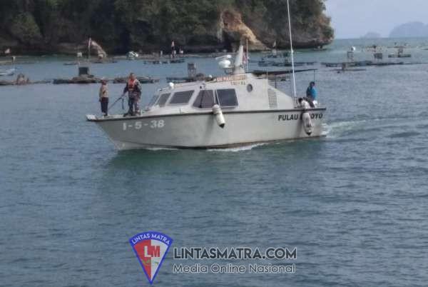 Patkamla Pulau Ismoyo dan Prajurit Posmat Tulungagung Amankan Perayaan Larung Sesaji