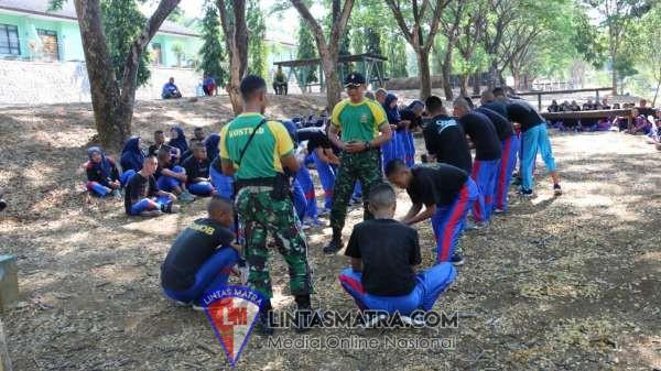 Personel Lanal Cilacap Laksanakan Latihan Pertahanan Pangkalan