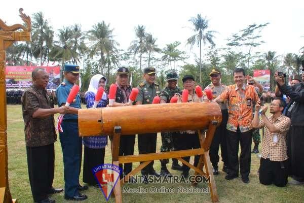Wabup Cilacap Syamsul Aulia Rahman Pimpin Pembukaan TMMD Ke 106 Tahun 2019
