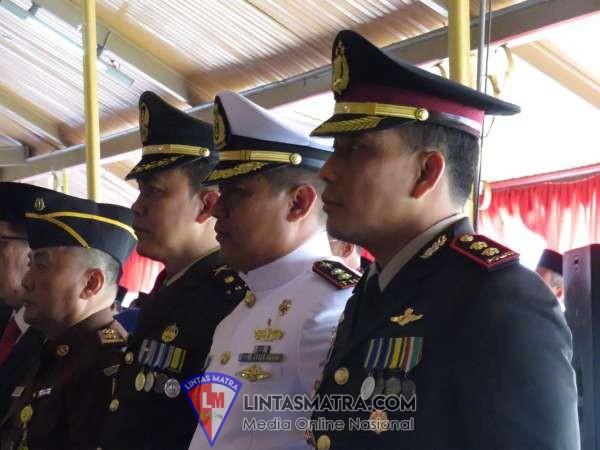 Danlanal Batuporon Hadiri Pelantikan dan Pengambilan Sumpah Pejabat Struktur Pemda Bangkalan