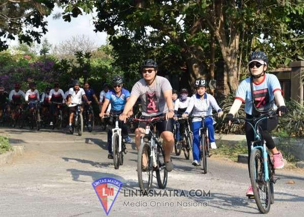 Lanal Denpasar Bersama Masyarakat Bali Gelar Fun Bike di Obyek Wisata Pantai Mentari Sanur