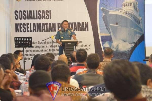 Bersama  Syahbandar dan Otoritas Pelabuhan Kelas II, Lanal Cilacap Berikan Sosialisasi Keselamatan Pelayaran