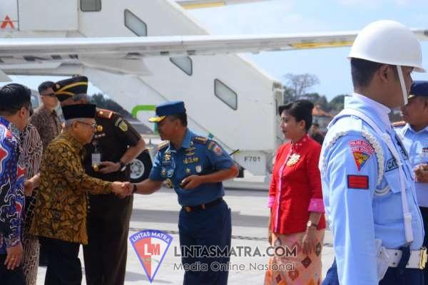 Dampingi Gubernur Bali, Danlanal Denpasar Sambut Wakil Presiden RI untuk Buka ICCIS