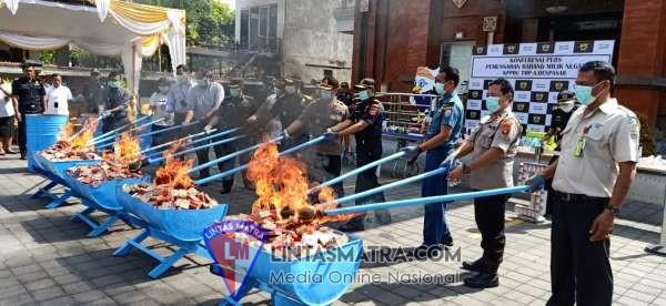 Sinegritas Lanal Denpasar - Bea Cukai TMP A Denpasar Musnahkan BMN Hasil Penindakan