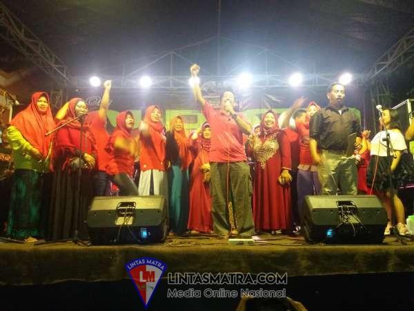 Hilangkan Penat, Pasca Pilkades Rowogempol, H. Muhamad Hibur Warganya Dengan Musik Dangdut