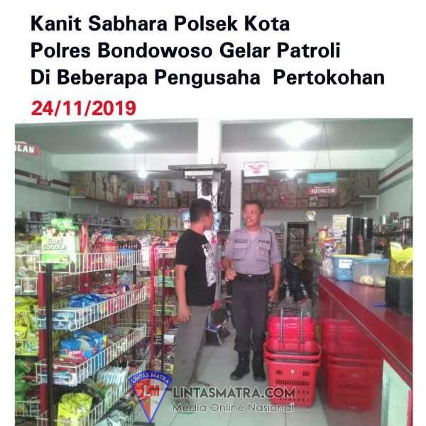 Kanit Sabhara Polsek Kota Polres Bondowoso Gelar Patroli Dialogis
