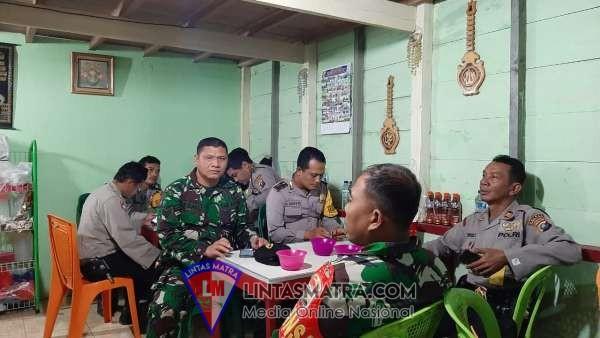 Melalui Komsos Komunikasi Dua Arah Babinsa dan Bhabinkamtibmas di Kecamatan Pangaribuan Terjalin Dengan Baik