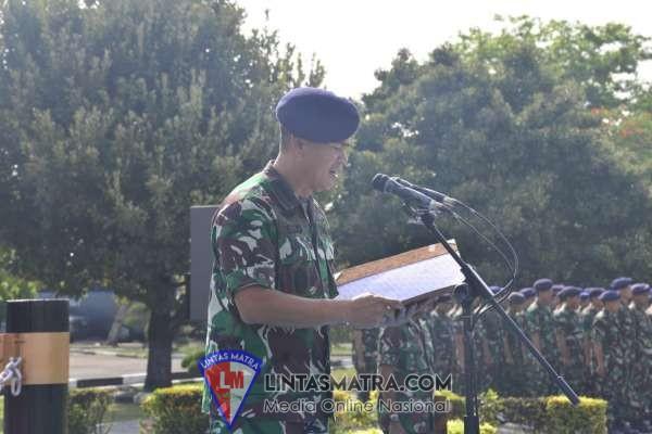 Danlanal Jogyakarta Dampingi Danlantamal V Hadiri Lustrum  UGM Wakili KASAL