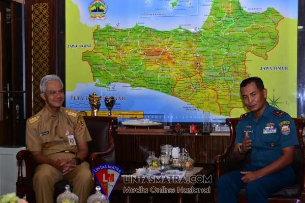 Danlantamal V Sowan Gubernur Jateng Jelang Acara Tradisi Pengukuhan Nama KRI Semarang-594