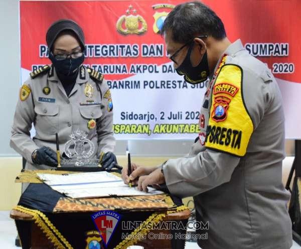 Polresta Sidoarjo Lakukan Penandatanganan Pakta Integritas Penerimaan Taruna Akpol dan Tamtama TA 2020