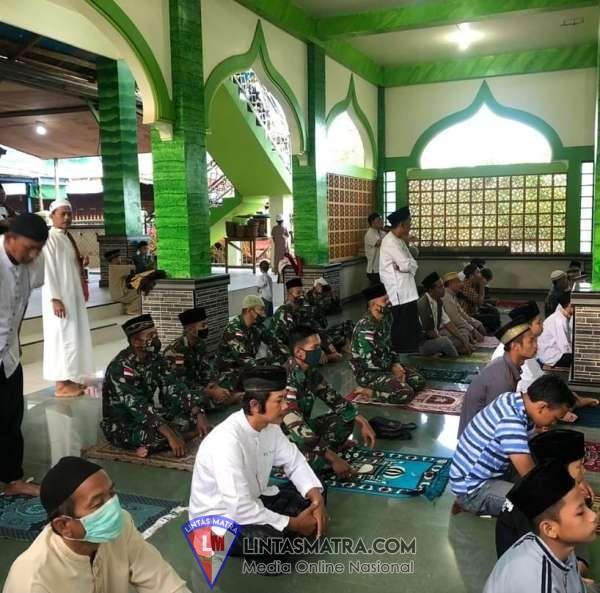 Shalat Idul Adha di Perbatasan Indonesia-Papua Nugini, Wujud Kemanunggalan TNI dan Rakyat