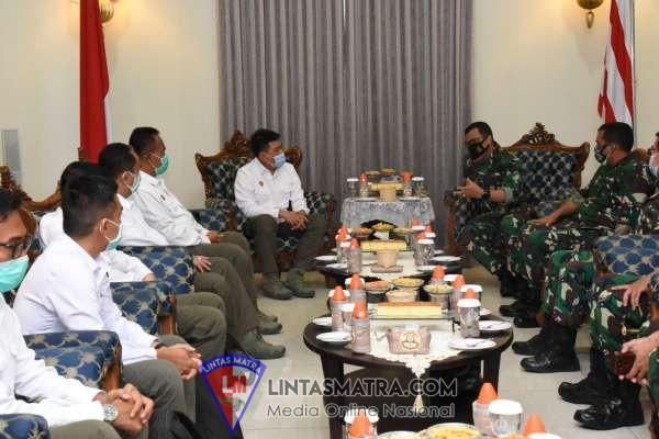 Gubernur AAL Terima Kunjungan Tim Diskusi Pengasuhan STIN