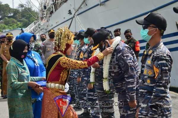 Tiba Diujung Barat Indonesia, Taruna AAL Satlat KJK 2020 Disambut Hangat Masyarakat Sabang