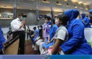 Gubernur AAL Dampingi Wakasal Terima Kunjungan Meko PMK dan Mensos Beri Dukungan Moril pada Keluarga Nanggala