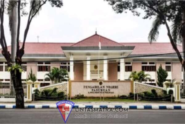 """AJUR JUM"", Mantan Plt Kepala Diskominfotik Kota Pasuruan Divonis Hukuman 3,6 Tahun Penjara"