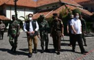 Pelajar di Surabaya Mulai Divaksin
