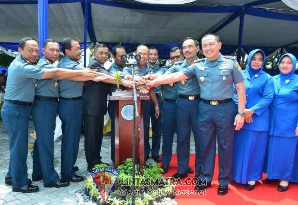 Gubernur Akademi Angkatan Laut Saksikan  Peresmian Gedung Mako Kolat Penerbal oleh Wakasal