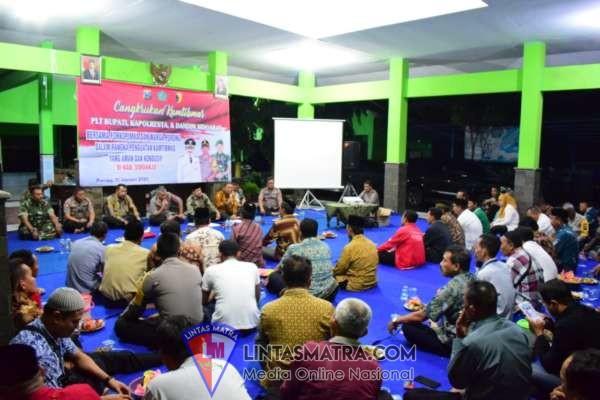 Wakapolresta Sidoarjo Cangkrukan Kamtibmas di Kecamatan Porong