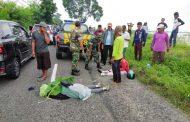 Anggota Koramil Sekaran Kodim Lamongan  Evakuasi Korban Laka Lantas