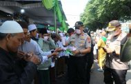 Kapolres Malang Pimpin Apel Pengamanan Pemakaman KH. M Bashori Alwi Murtadho