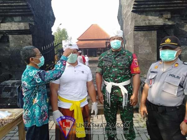 TNI, Polri dan Puskesmas Krembung Bersinergi Cegah Penyebaran Virus Corona