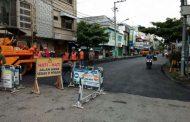 Pemko Hotmix Jalan KF Tandean Demi Mendukung Akses ke RSU Cegah Covid 19