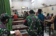 Petugas Gabungan Sasar Tempat Ramai di Benowo Surabaya