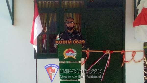 Kasrem 084/Bhaskara Jaya Serahkan Hasil RTLH kepada Warakawuri
