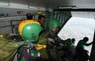 Happy Landing, 18 Taruna AAL Korps Marinir Berhak Kenakan Brivet Terjun Para Dasar