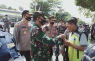 Sinergitas TNI - POLRI Komandan Lanal Banyuwangi Laksanakan Pendisiplinan Protokol Kesehatan Covid-19