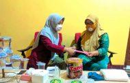 Mahasiswa PMM 13 UMM Lakukan Penyuluhan Persiapan New Normal dan Pelatihan Membuat Masker Kain di Kampung Halaman