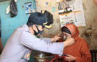 Kapolres Pasuruan AKBP Rofiq Ripto Himawan S.I.K,S.H,M.H Bagi 15.000 Kepada Warga Pasuruan