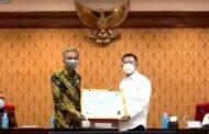 Ikut Berkontribusi Membangun Sistem Manajemen Kinerja PNS, Pemkab Sidoarjo Diganjar Penghargaan Kemenpan RB
